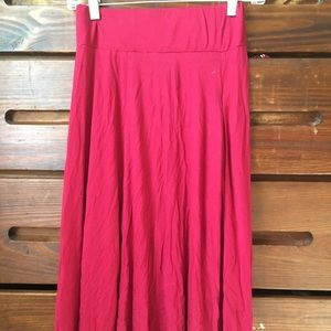 Red maxi skirt WITH POCKETS 😍